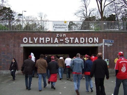 Zum Olympia-Stadion